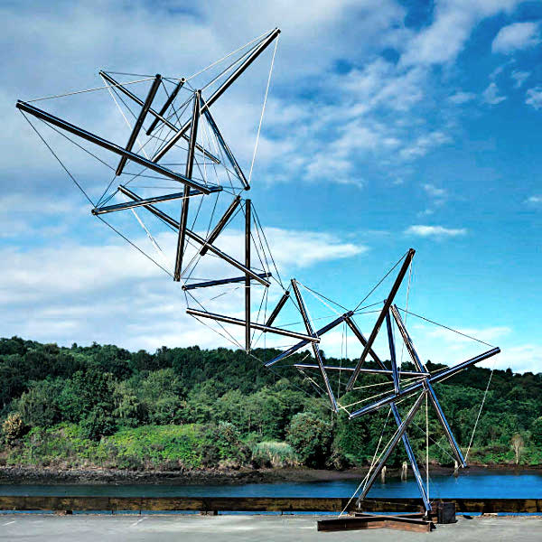 Dragon, a stainless steel and steel wire tensegrity sculpture by Kenneth Snelson, circa 2000-03. Size 30.5 ft. x 31 ft. x 12 ft.
